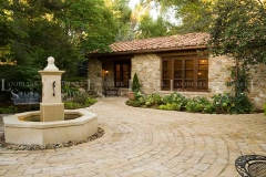 tuscan-blend-veneer-courtyard-fountain