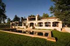 tuscan-farmhouse-pool-gold-travertine