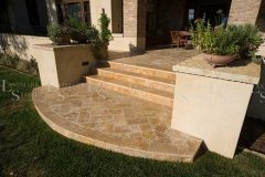 gold-travertine-steps