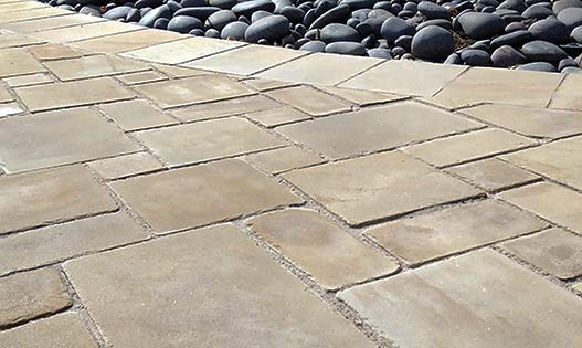 yorkshire-buff-sandstone-puzzle-pavers-527×315